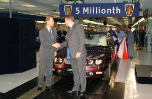 The Prince Edward, Earl of Wessex & Kevin Howe, Chief Executive MG Rover Group at Longbridge with the 5 millionth Rover (July 2003).